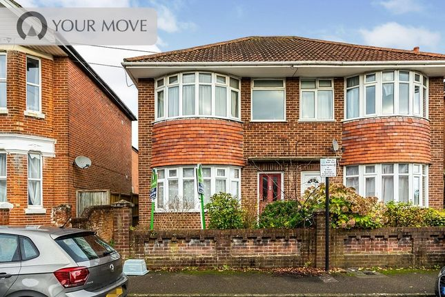 Thumbnail Flat to rent in Holyrood Avenue, Southampton