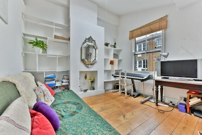Thumbnail Maisonette to rent in Columbia Road, Shoreditch
