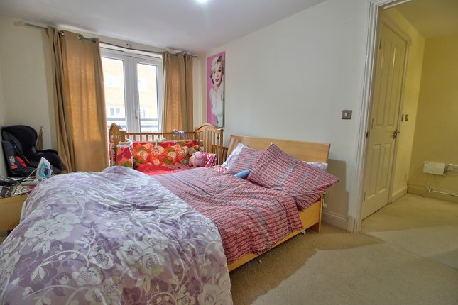 Master Bedroom of Cheapside, Reading RG1