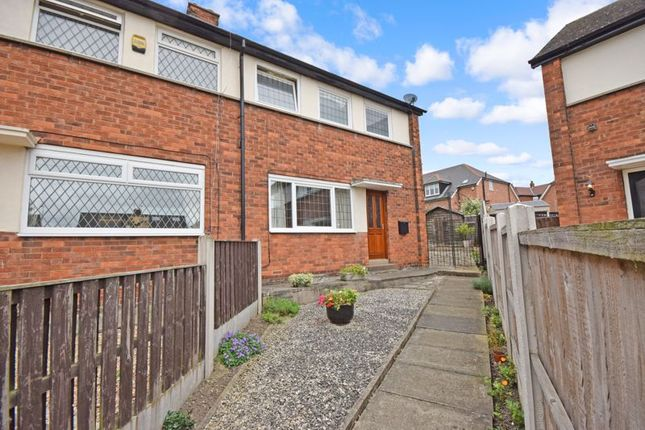 3 bed semi-detached house to rent in Rhodes Crescent, Pontefract WF8