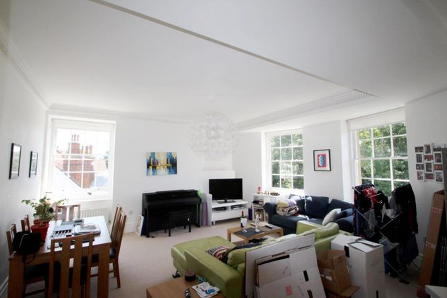 2 bed flat to rent in Temple Heights, Windlesham Road, Brighton