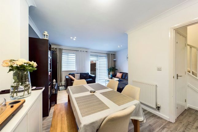 Living Area of Lacock Gardens, Maidstone ME15