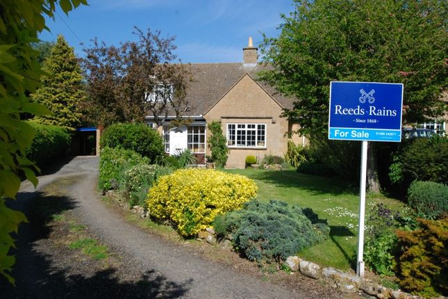 Thumbnail Bungalow for sale in Ley Orchard, Willersey, Broadway