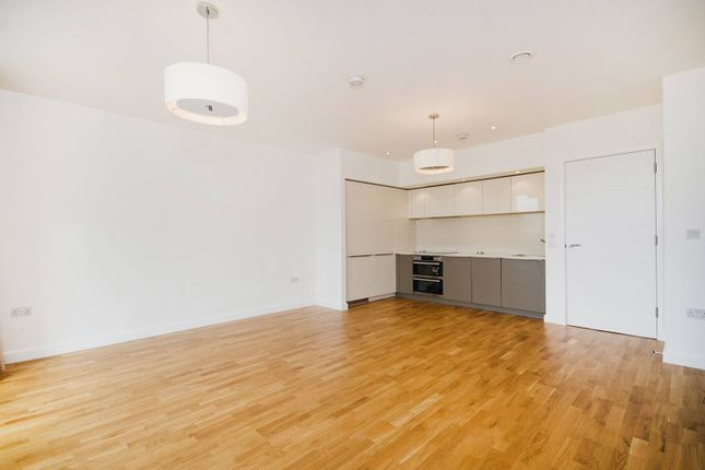2 bed flat to rent in Chiswick Point, Chiswick