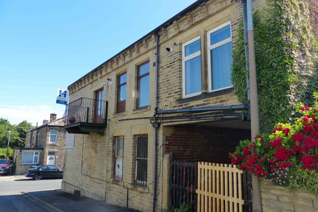 Thumbnail Flat to rent in Wellington Street, Liversedge, West Yorkshire