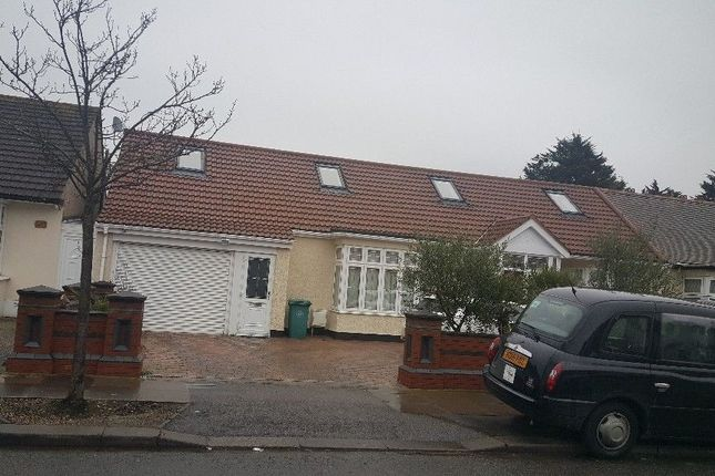 Thumbnail Bungalow to rent in Beattyville Gardens, Ilford, Essex