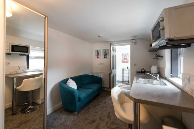 Thumbnail Shared accommodation to rent in Mayfield Avenue, Bolton
