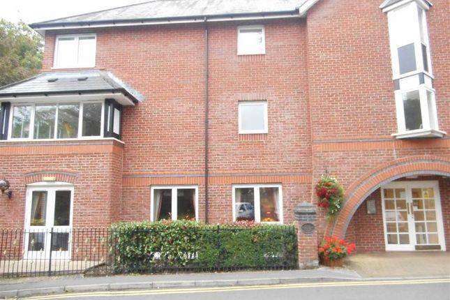 Thumbnail Flat to rent in Kedleston Road, Allestree, Derby