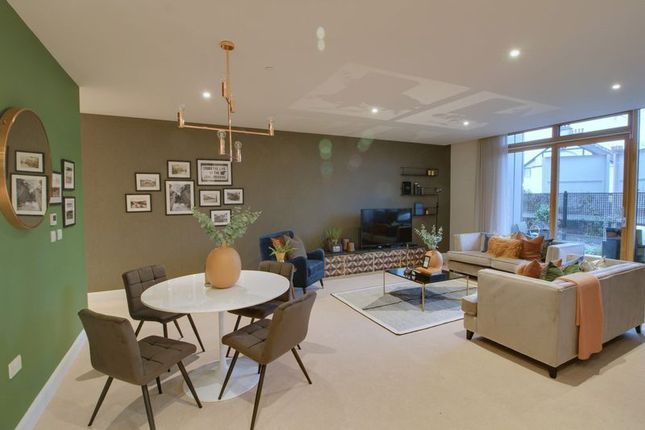 Thumbnail Property for sale in Brighton Road, Purley