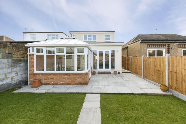 3 bed property for sale in Great Gardens Road, Hornchurch