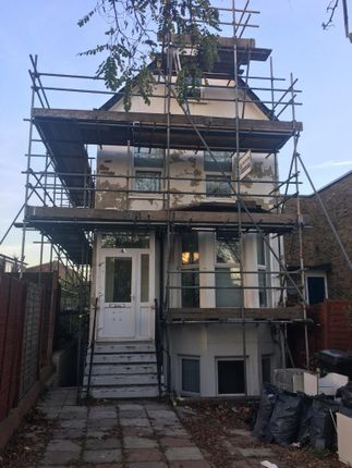 Thumbnail Maisonette to rent in Dermody Road, London