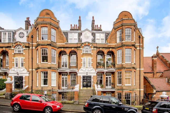 Thumbnail Flat to rent in Jacksons Lane, Highgate, London