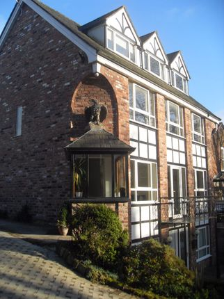 Flat to rent in The Cross, Lymm