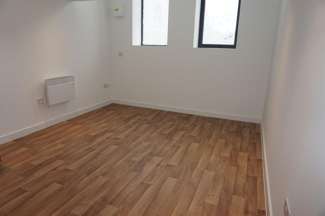 Thumbnail Flat to rent in Jubilee House, Jubilee Drive, Liverpool