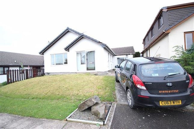 Thumbnail Bungalow to rent in Trefaenor, Comins Coch, Aberystwyth