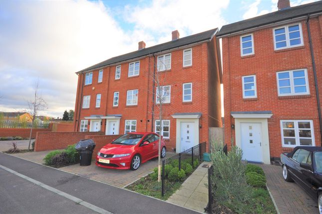 Thumbnail End terrace house to rent in Brickfield Road, Mitcham