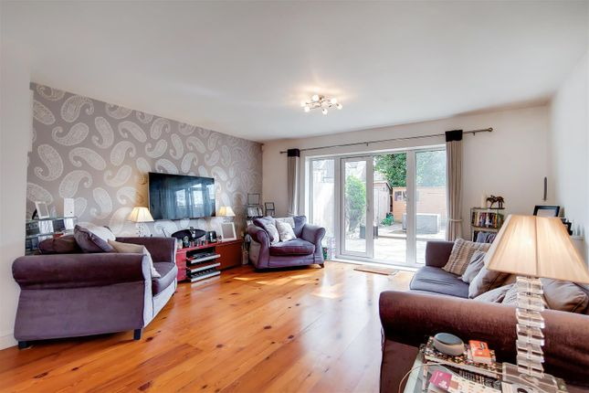 Thumbnail Town house to rent in Academy Place, Isleworth