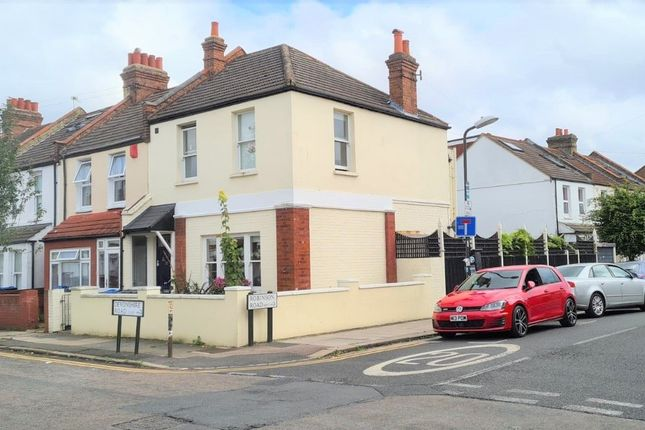 Thumbnail Leisure/hospitality for sale in 35 Devonshire Road, Colliers Wood