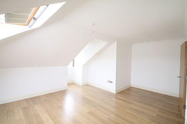 Bedroom of Croydon Road, Caterham CR3