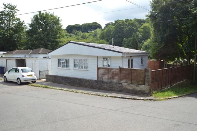 Bungalow For Sale In Mobile Home Park Rayners Avenue Loudwater High Wycombe