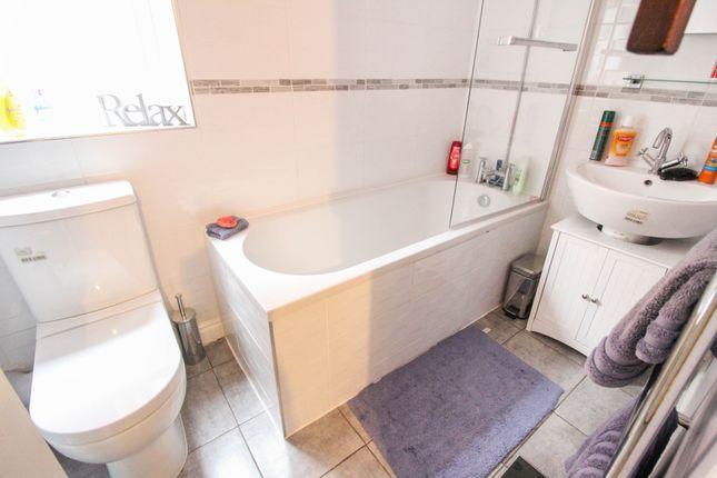 Family Bathroom of Atworth Close, Redditch B98