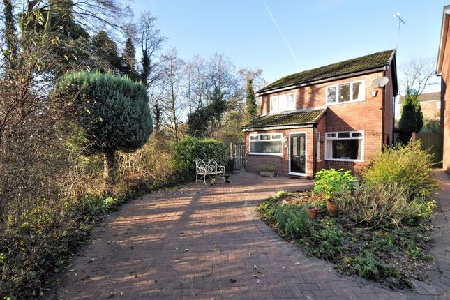 Thumbnail Detached house for sale in Glencoe Close, Holmes Chapel, Crewe