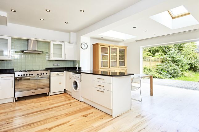 Thumbnail Terraced house to rent in Dordrecht Road, London