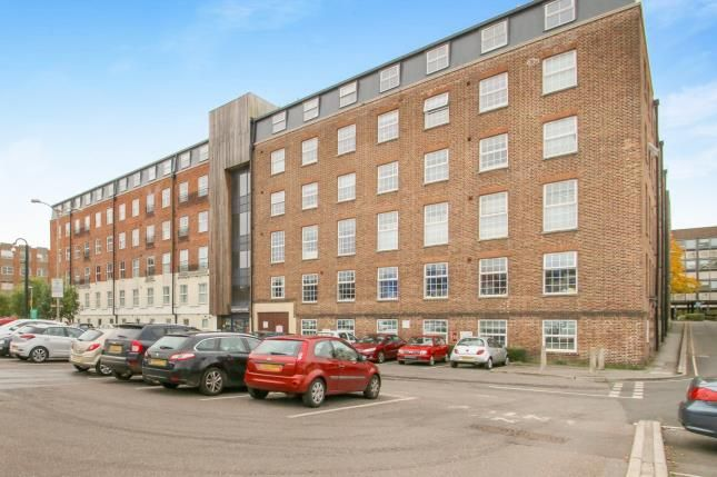 Thumbnail Property for sale in Crescent Way, Taunton, Somerset