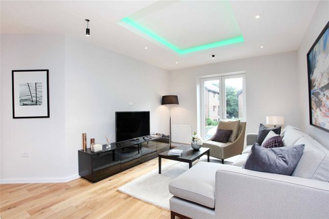 Thumbnail Flat for sale in Sheet Street, Windsor, Berkshire