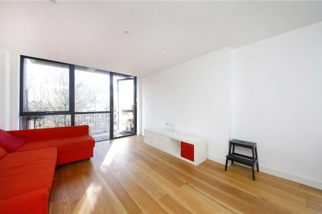 Thumbnail Flat to rent in Allgood Street, Hoxton