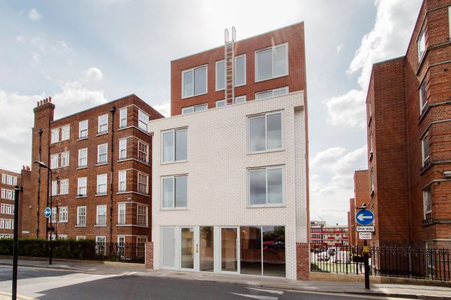 Thumbnail Leisure/hospitality to let in Homerton Row, London