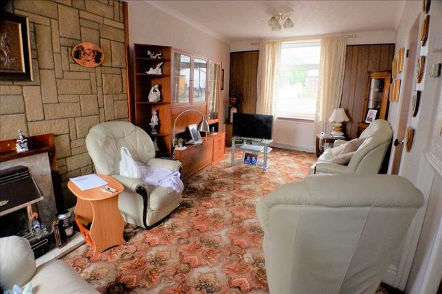 Lounge of Oakley Terrace, Penrhiwfer, Tonypandy CF40