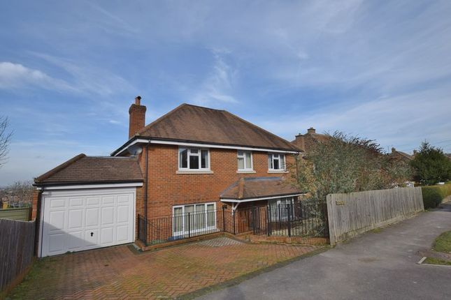 Thumbnail Detached house to rent in Salisbury Close, Princes Risborough