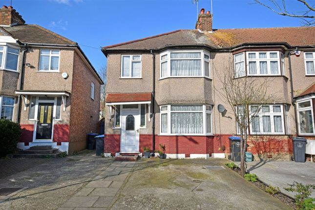 End terrace house for sale in Deanscroft Avenue, London