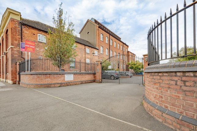 2 bed flat to rent in The Malthouse, 167-169 Horninglow Street, Burton Upon Trent DE14