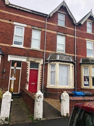 4 bed terraced house to rent in Hove Road, St. Annes, Lytham St. Annes FY8