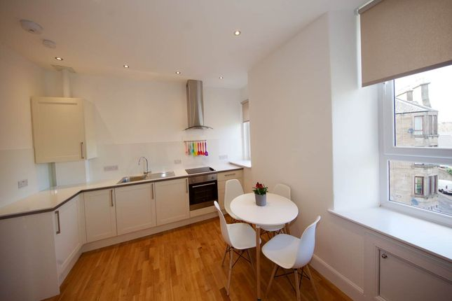 2 bed flat to rent in Forfar Road, Dundee DD4