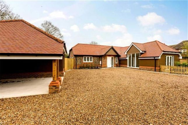 Thumbnail Bungalow for sale in Marlow Road, Pinkneys Green, Berkshire