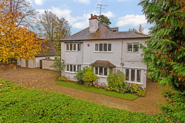 Thumbnail Detached house for sale in New Road, Digswell, Welwyn