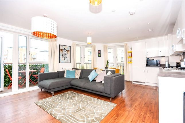 Thumbnail Flat for sale in Cabot Close, Croydon, Surrey