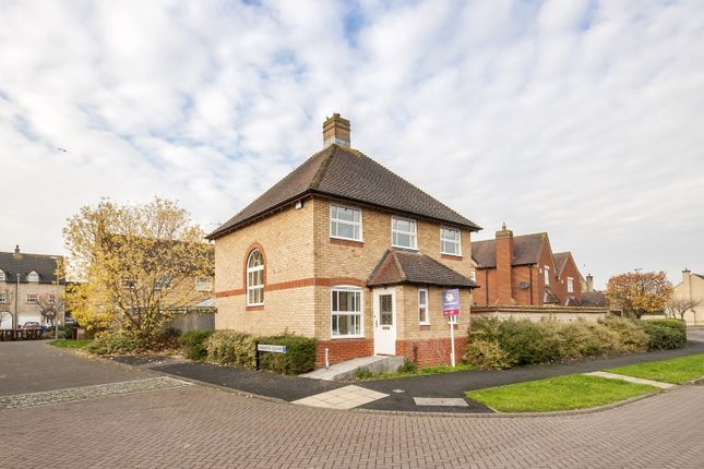 Thumbnail Property to rent in Reedmace Road, Bicester