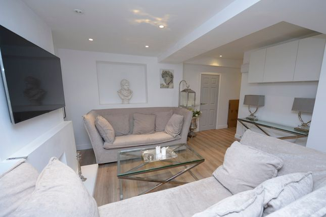 Thumbnail Flat to rent in Spencer Street, Chesterfield
