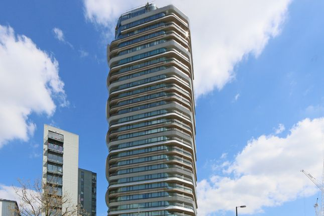 Thumbnail Flat to rent in Canaletto, City Road, Clerkenwell, London