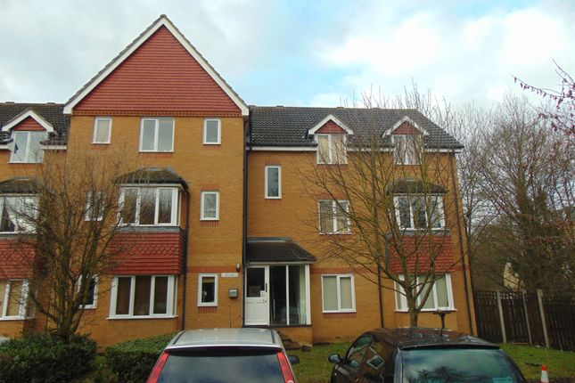 2 bed flat for sale in Redoubt Close, Hitchin