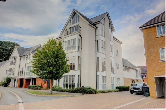 Thumbnail 2 bed flat for sale in Lambourne Chase, Great Baddow, Chelmsford