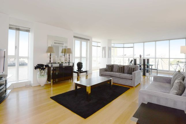 Thumbnail Flat to rent in Belgrave Court, 36 Westferry Circus, Canary Wharf, London