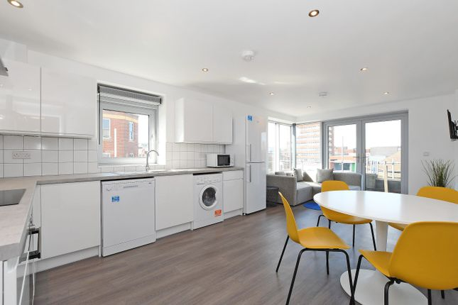 Thumbnail Flat to rent in Apt 7, Belgravia House 2 Rockingham Lane, Sheffield