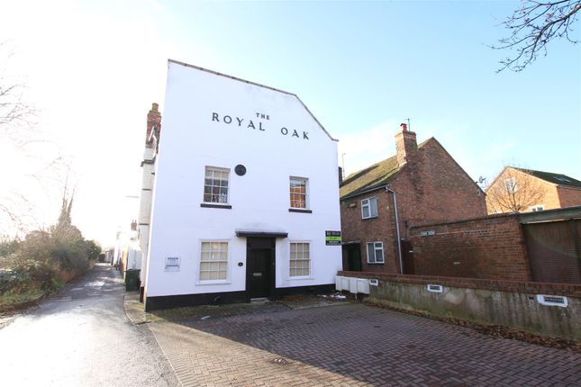 Thumbnail Flat to rent in Church, Oak Row, Upton-Upon-Severn, Worcester