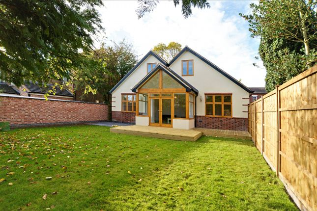 Thumbnail Detached house to rent in Grove Avenue, Chilwell