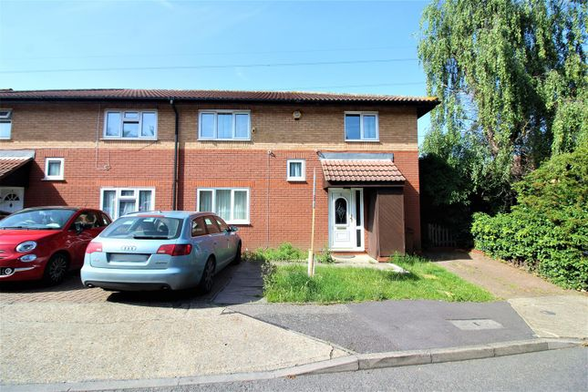 Thumbnail Property for sale in Swift Close, London